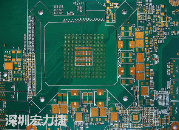 尤其在面对高度复杂的设计案件,例如在开发过程中板材的电子电路遭遇设计变更的可能性相当高,而若主板的核心元件有FPGA或其他具大量引脚的元件,稍微有点设计变更就会造成设计改善时程的延宕,而如何在改变频繁的设计过程中,尽可能减少线路部署错误发生,必须搭配可支援HDI高复杂度线路设计的设计辅助工具,尤其是必须搭配可在FPGA逻辑设计、硬体设计、PCB逻辑与相关设计数据可彼此互通的设计架构下,让任何专案的设计规格变动,均可即时反应于开发系统,避免设计板材与目标晶片无法匹配的设计问题发生。